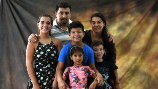 Santino, el pequeño santafesino que le da batalla a un cáncer poco común