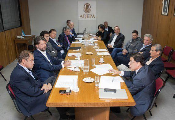 Los responsables de los principales medios estuvieron presentes en la reunión.