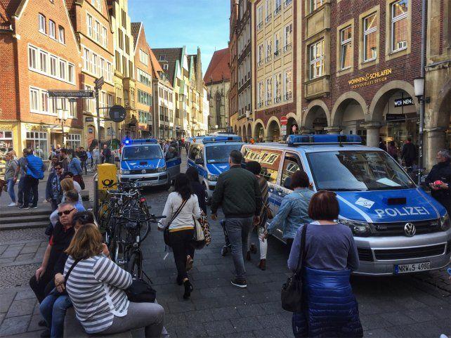 Conmoción. Un hombre atropelló y mató a tres personas y luego se suicidó en la ciudad de Münster.