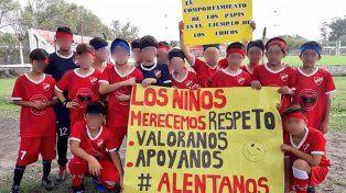 Los chicos dieron el ejemplo que no supieron dar los grandes. (Foto:@CammiSena)