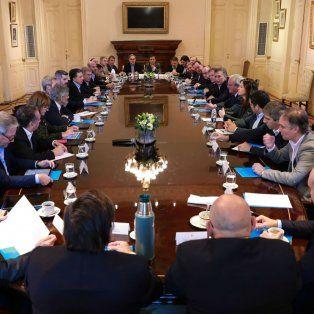 El jefe de Estado se reunió con su gabinete en el salón Eva Perón de la Casa Rosada.