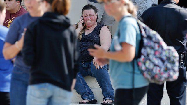 Diez muertos en una escuela secundaria de Texas luego del ataque de un joven