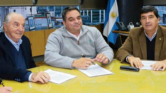 Acuerdo. Triaca y Cavalieri pilotearon la revisión paritaria.