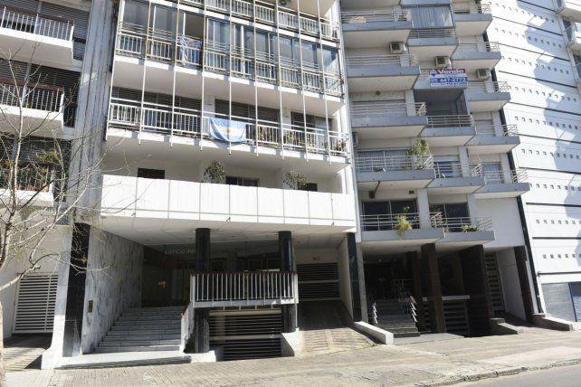 Libertad 370. Un departamento del edificio Ipanema fue blanco de varios balazos ayer a la madrugada.