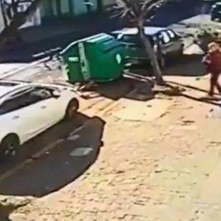 vecinos de rosario corrieron a palazos a un motochorro