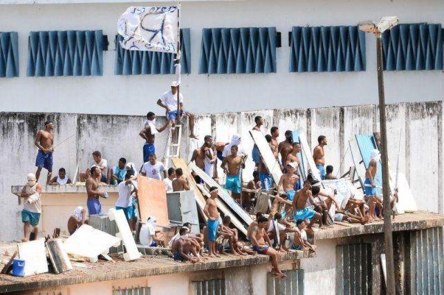 Al menos 52 muertos en un motín en Brasil