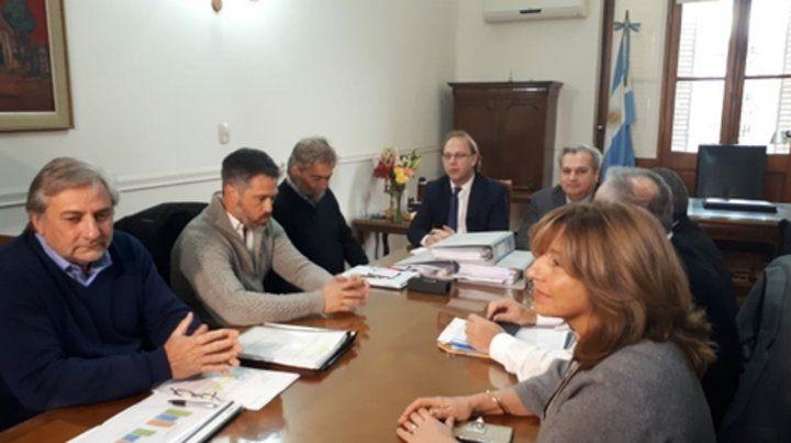 Los referentes de la gestión entrante analizan la crisis que desataron las medidas del gobierno nacional.