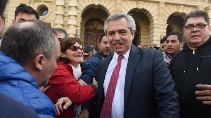 Alberto Fernández firmó su compromiso con las provincias