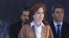 Quiero dejar atrás esto que estamos viviendo como argentinos, dijo Cristina en el arranque de su discurso en el Monumento a la Bandera