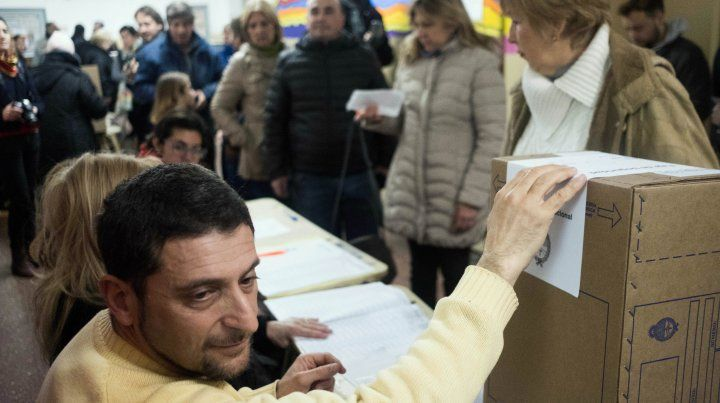 Desde el Frente de Todos destacaron la gran afluencia de votantes