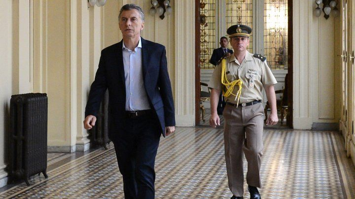 Macri reúne al gabinete en la Casa Rosada tras las Paso
