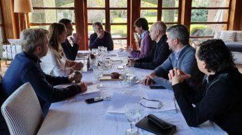 macri encabeza una cumbre con el flamante ministro lacunza