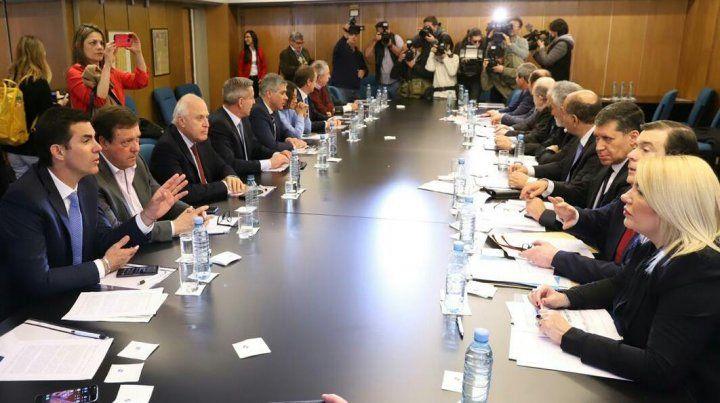 Lifschitz dijo que el lunes los gobernadores opositores irán a la Corte para frenar las medidas de Macri