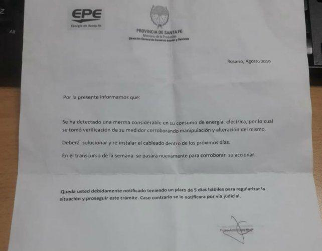 La carta falsa que está llegando a los clientes de la Empresa Provincial de la Energía (EPE).