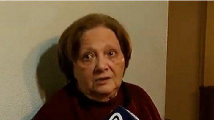 Los hechos sucedieron en la tarde de ayer cuando Angela estaba en su casa y sonó el teléfono.