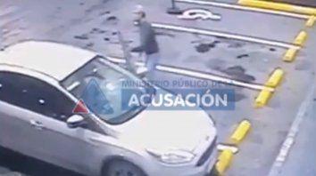 Se conoció el video del jefe policial después de haber sido baleado en la autopista
