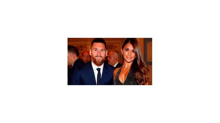 El look de Antonela Roccuzzo para acompañar a Messi