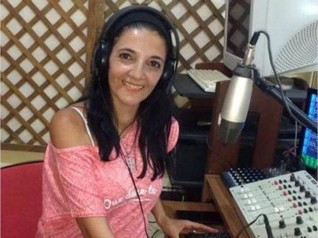 La locutora Claudia Vázquez.