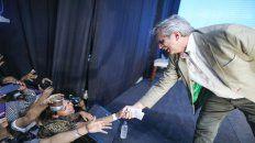 El candidato a presidente del Frente deTodos, Alberto Fernández, se mostró cercano a los saltaños durante el acto.