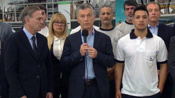 Macri anunció que reducirá las contribuciones patronales a las pymes