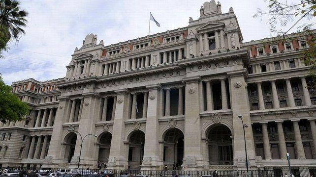 Palacio de Justicia. Los gobernadores siguen en pie de guerra en defensa de sus recursos y harán una nueva presentación ante la Corte Suprema de la Nación.