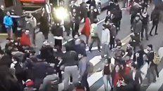 periodistas heridos en una movilizacion por chile en buenos aires