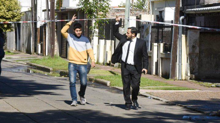 El fiscal de Homicidios Adrián Spelta llegó al lugar a los minutos de haber trascendido el ataque.
