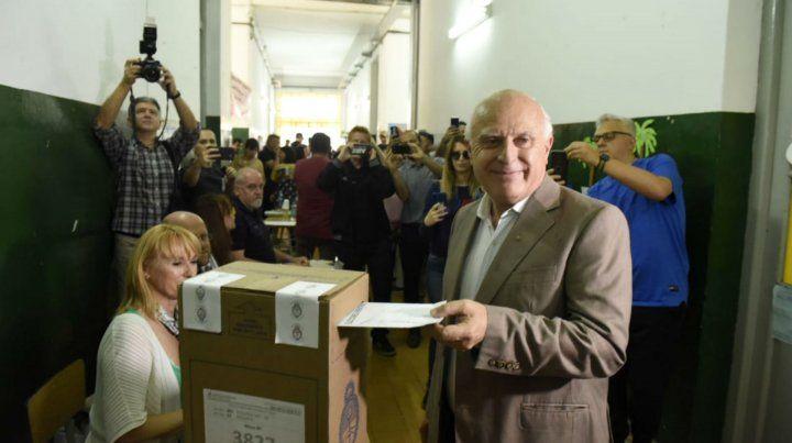 El gobernador Miguel Lifschitz votó en la Escuela Alberdi