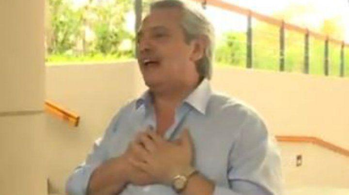 Alberto se emocionó en la puerta del edificio de Puerto Madero.