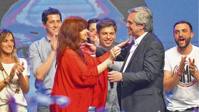 Alberto Fernández y Cristina Kirchner celebraron la victoria y prometieron una gestión diferente a la del macrismo.