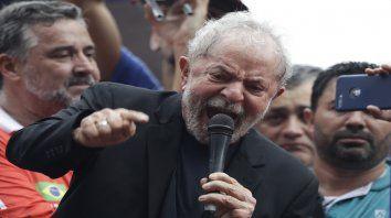 Enojado. Ante su público, y a pocas horas de dejar la prisión, Lula desahogó toda su bronca con la Justicia.