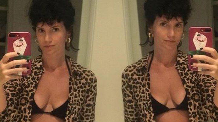 Griselda Siciliani, desnuda en la cama y a favor de la desnudez