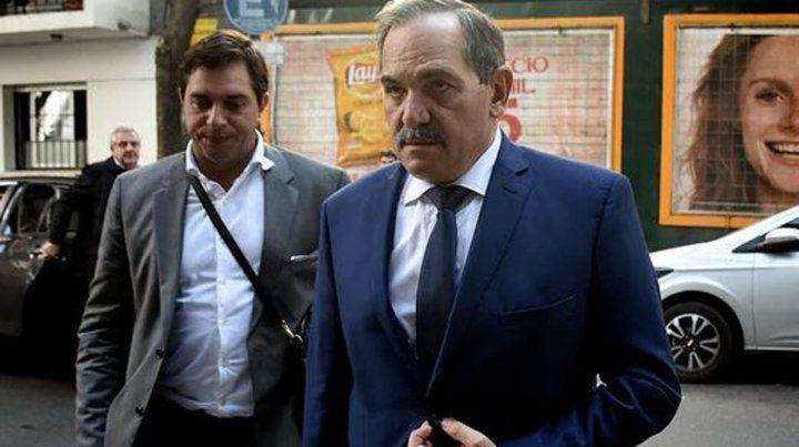 Alperovich eludió a la prensa en su arribo al aeropuerto procedente de Miami.