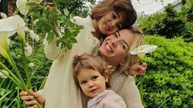 La China con sus hijas Rufina y Magnolia.