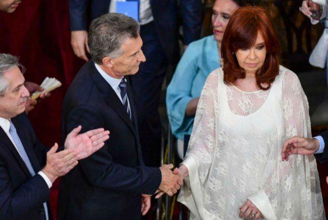 Miradas lejanas. Cristina no miró a Macri en el saludo protocolar.