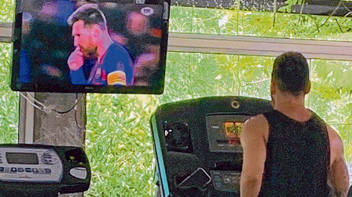 Mirando al 10. La Pulga trota en la cinta para no perder ritmo y llegar a la pretemporada con Barcelona con buen estado físico.