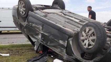 Cuatro heridos en un impactante choque en la autopista a Córdoba