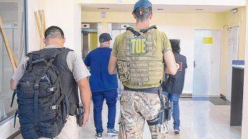 Mitre y Pellegrini. El edificio donde detuvieron a Cachete D. Su novia es sobrina de un ex alto jefe policial.