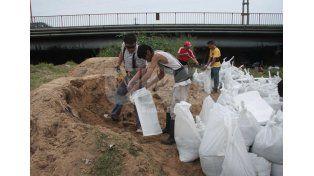 Crecida del Paraná: se intensifican las tareas en la zona de la costa