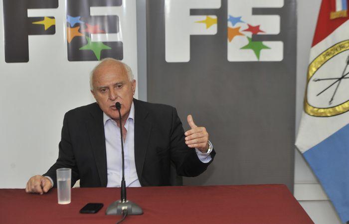 El gobernador Lifschitz dijo que hay que esperar para abordar el tema paritarias