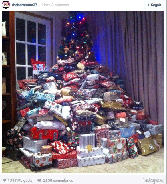 Compró 300 regalos de Navidad y es furor en las redes