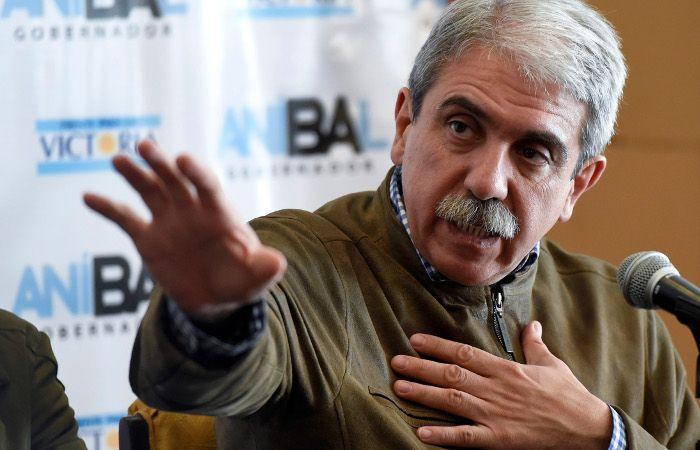 """Aníbal Fernández aseguró que """"no tiene nada que ver"""" con los tres prófugos"""