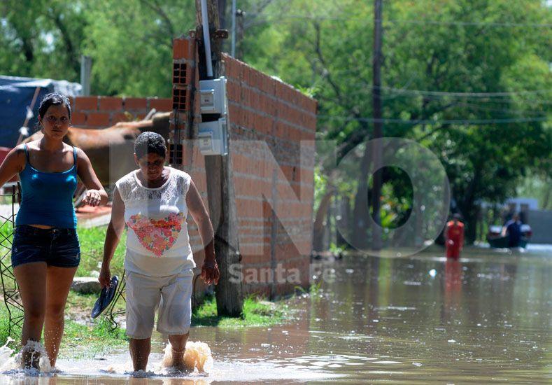 Los vecinos de la zona de la Vuelta del Paraguayo fueron evacuados en casas de madera construidas cerca de sus viviendas.
