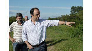 Crecida del Paraná: el intendente estuvo en Colastiné Sur