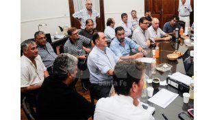Mesa de negociaciones. Las tratativas con los gremialistas llegaron a un punto de entendimiento / Foto: Mauricio Centurión - Uno Santa Fe