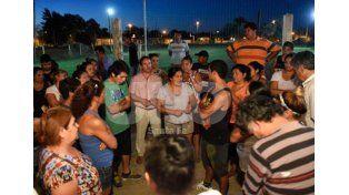 Sintieron miedo. Los disparos ocurrieron en un club de la ciudad de Rosario. Las víctimas fueron dos menores de siete y ocho años.  La Capital