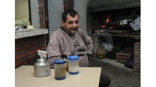 Un amigo. Daniel Isa está a cargo de un buffet que da que hablar en el barrio. Foto: Manuel Testi / UNO Santa Fe