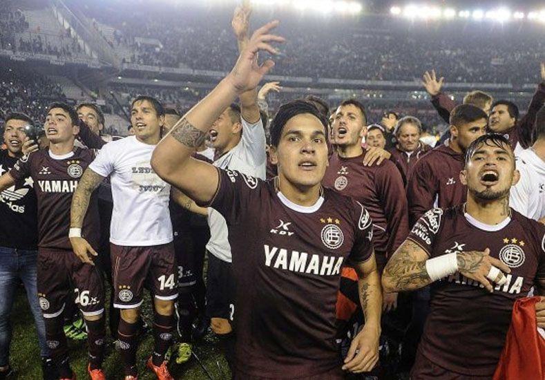 Lanús goleó a San Lorenzo y se coronó campeón del fútbol argentino