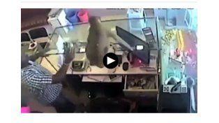 Video: el increíble mono ladrón que robó una joyería