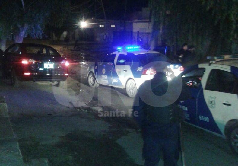 Detuvieron a un hombre y le secuestraron un arsenal de armas de guerra en su auto